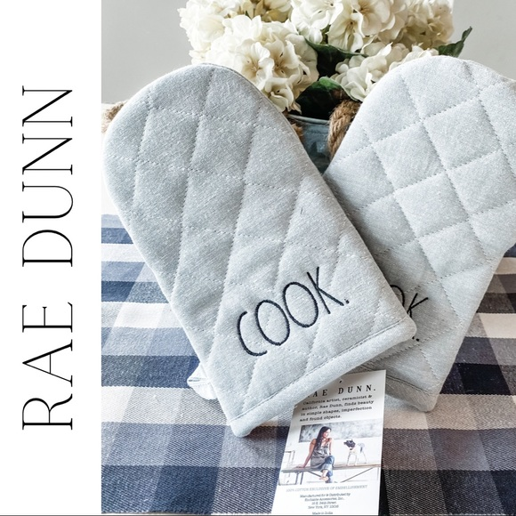 NWT Rae Dunn Cook Oven Mitts / Gloves